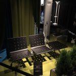 Sistema di sedute metalliche da attesa: panca a due posti con tavolino