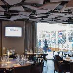 In Identità Expo, punto di ristoro per Milano Expo 2015, sono stati installati a soffitto i pannelli fonoassorbenti Flap.