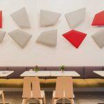 I pannelli Flap decorano le pareti de La Pâtisserie des Rêves a Milano, migliorando allo stesso tempo l'acustica del locale.