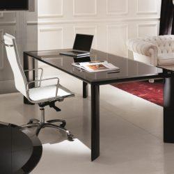 Davvero in futuro diremo addio alla scrivania? Questa, bellissima ed elegante, è la Kono di About Office.
